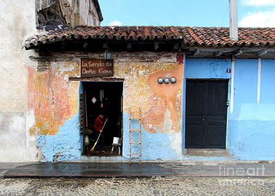 Photograph - Antigua Street by Randall Weidner