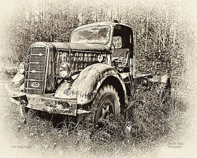 Photograph - Antique 1947 Mack Truck by Mark Allen