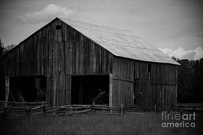 Photograph - Antique Barn by Jamie Haley