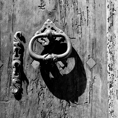 Photograph - Antique Door 1b by Andrew Fare