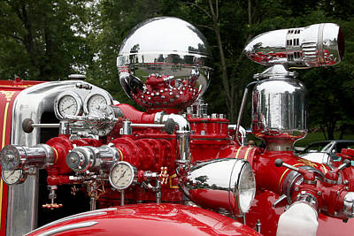 Photograph - Antique Fire Engine 2 by Bob Slitzan