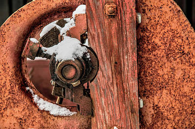 Photograph - Antique Wagon Axle And Snow by Gary Slawsky