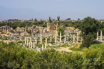 Aphrodisias Photograph - Aphrodisias And Hadrianic Baths by Bob Phillips