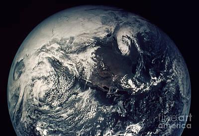 Photograph - Apollo 16: Earth by Granger