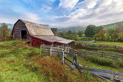 Photograph - Appalachian Barn by Tim Stanley