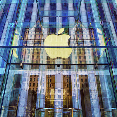 Grand Army Plaza Photograph - Apple Store And Plaza Hotel Reflection by Mitch Cat