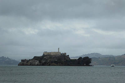 Alcatraz Photograph - Approaching Alcatraz by Gordon Beck