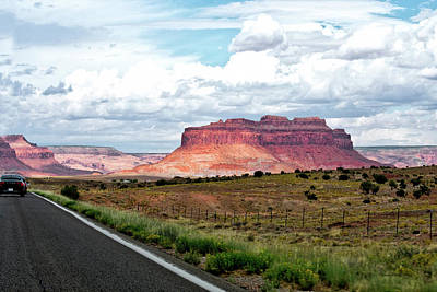 Photograph - Approaching Monument Valley 04 by Thomas Woolworth