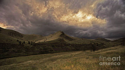 Photograph - Approaching Storm by Gary Wing