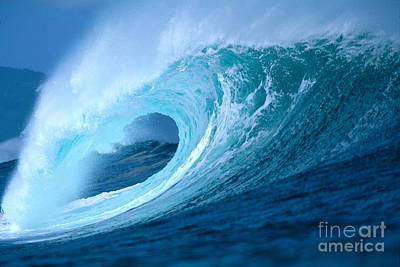 Aqua Wave Art Print by Vince Cavataio - Printscapes