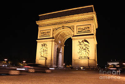 Photograph - Arc De Trimphe By Night by Wilko Van de Kamp