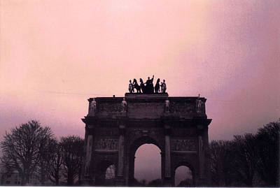 Arc De Triomphe Du Carrousel Wall Art - Photograph - Arc De Triomphe Du Carrousel In Paris by Jeff Mayo