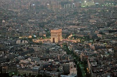 Photograph - Arc De Triomphe by Frank DiMarco