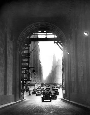 Grand Central Station Photograph - Arch At Grand Central Station by Underwood Archives