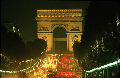 Photograph - Arch Of Triumph In Paris 4 by Carl Purcell