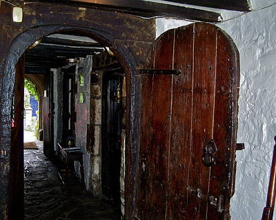 Photograph - Arched Doorway At Oxenham Arms by Denise Mazzocco