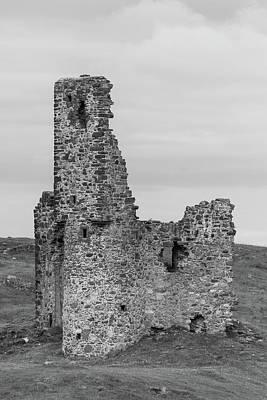 Photograph - Ardvrek Castle 0945 Bw by Teresa Wilson