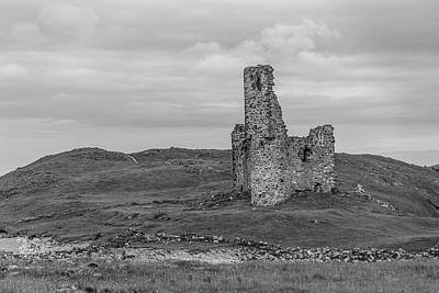 Photograph - Ardvrek Castle 0947 Bw by Teresa Wilson