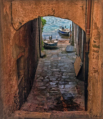 Photograph - Areaway Alley by Hanny Heim