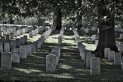 Photograph - Arlington Cemetery Graves by Stuart Litoff