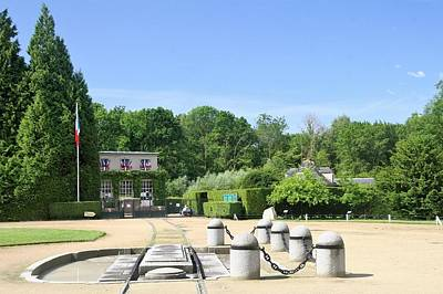 Green Travelpics Photograph - Armistice Clearing In Compiegne by Travel Pics