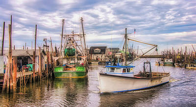 Photograph - Arriving At The Seaport by Gary Slawsky