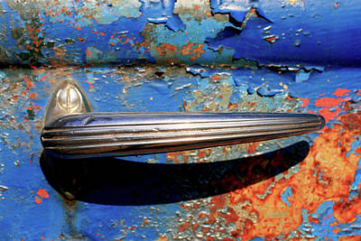 Photograph - Art Deco Door Handle by Brian Pflanz