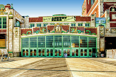 Owls - Asbury Park Convention Center Asbury NJ by Geraldine Scull