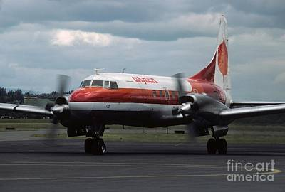 George Bush Wall Art - Photograph - Aspen Convair 580 by James B Toy