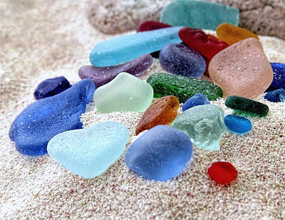 Photograph - Assorted Beach Gems by Janice Drew