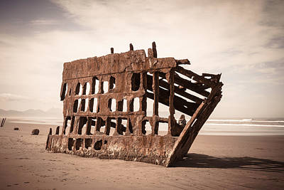 Peter Iredale Photograph - At The Helm by Scott Rackers