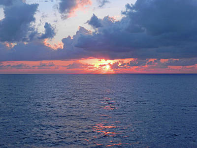 Photograph - Atlantic Ocean Sunrise In The South by Emmy Vickers