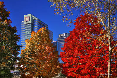 Photograph - Atlantic Station Banking Fall Leaves by Reid Callaway