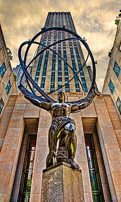 Photograph - Atlas At The Rock by Chris Lord