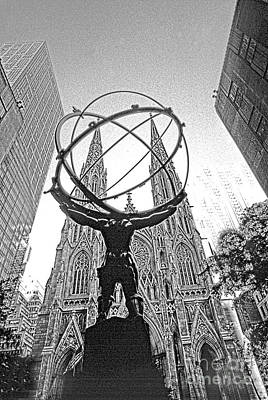 Photograph - Atlas Rockefeller Center Nyc by Larry Mulvehill