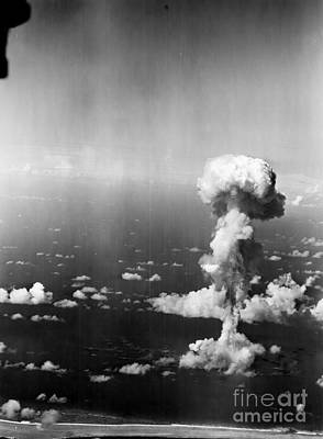 South Pacific Photograph - Atomic Bomb Test, 1946 - To License For Professional Use Visit Granger.com by Granger