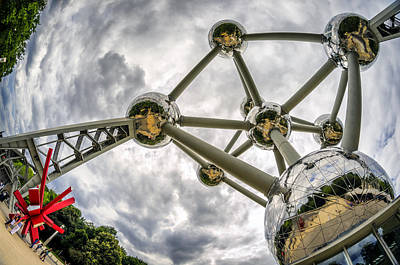 Photograph - Atomium 3 by Pablo Lopez