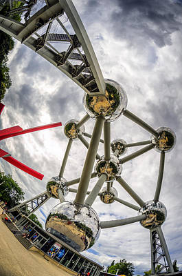 Photograph - Atomium 4 by Pablo Lopez