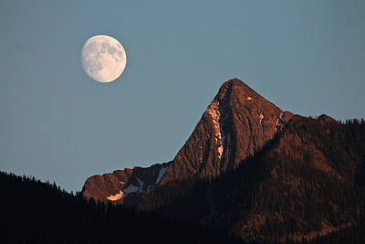 Photograph - August Moon Over Loki by Cathie Douglas