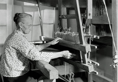 Lizzie Photograph - Aunt Lizzie Reagan Weaving - Gatlinburg Tennessee 1933 by U S N A