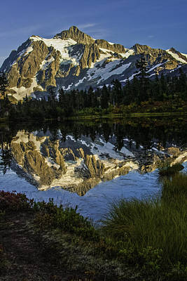 Aunumn Mountain Reflection Art Print