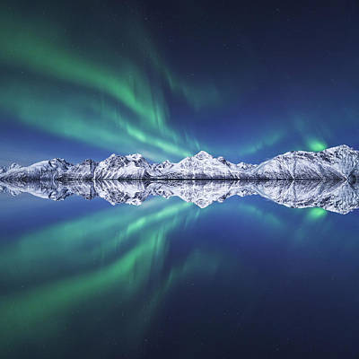 Aurora Square Art Print by Tor-Ivar Naess