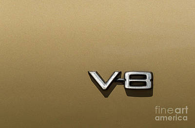 Photograph - Automotive V8 Sign by Les Palenik