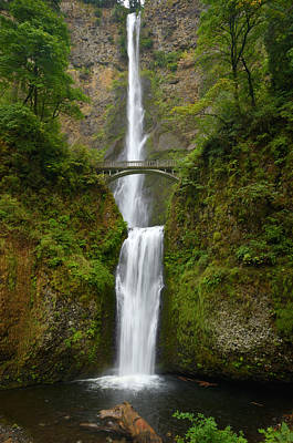 Autumn At Multnomah Falls Art Print