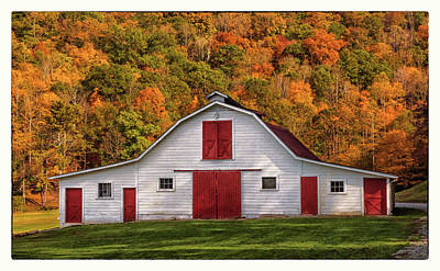 Photograph - Autumn Barn by Reid Northrup