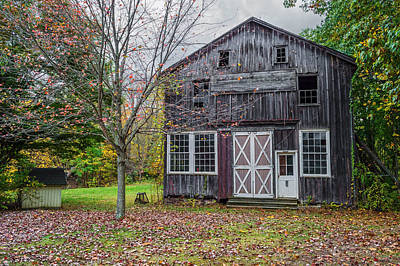 Photograph - Autumn Barn Scene by Andrew Kazmierski