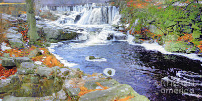 Photograph - Autumn Falls by Raymond Earley