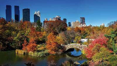 Autumn In Central Park Print by Pedro Lastra