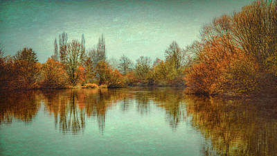 Photograph - Autumn Morning On The Lake by Don Schwartz