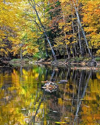 Photograph - Autumn Peace by Frozen in Time Fine Art Photography